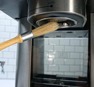 Как можно почистить кофеварку от накипи?