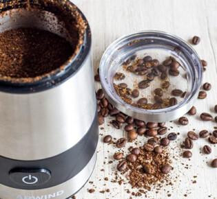 Как правильно мыть ручную и электрическую кофемолку?