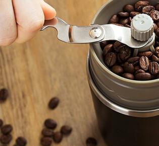 Как правильно молоть кофейные зерна в кофемолке?