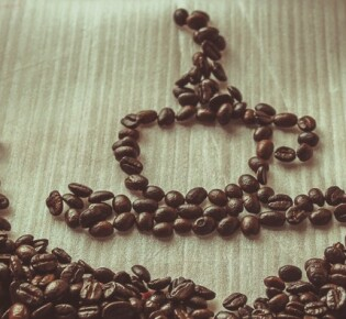Как можно помолоть кофейные зерна без кофемолки?