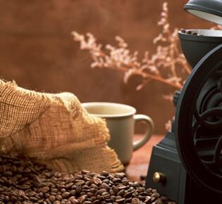 Выбираем ручную кофемолку: характеристики и лучшие модели