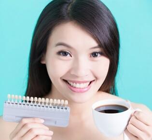 Вся правда о влиянии кофе на состояние зубов