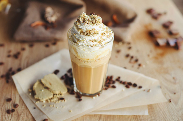 Кокосовый кофе раф с медом