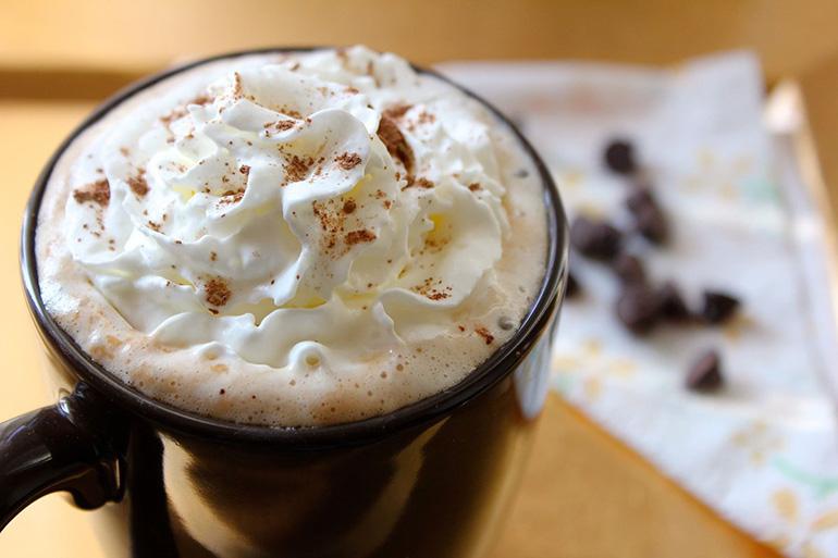 С замороженным кофе