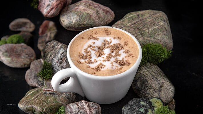 Кофе с халвой и шоколадом