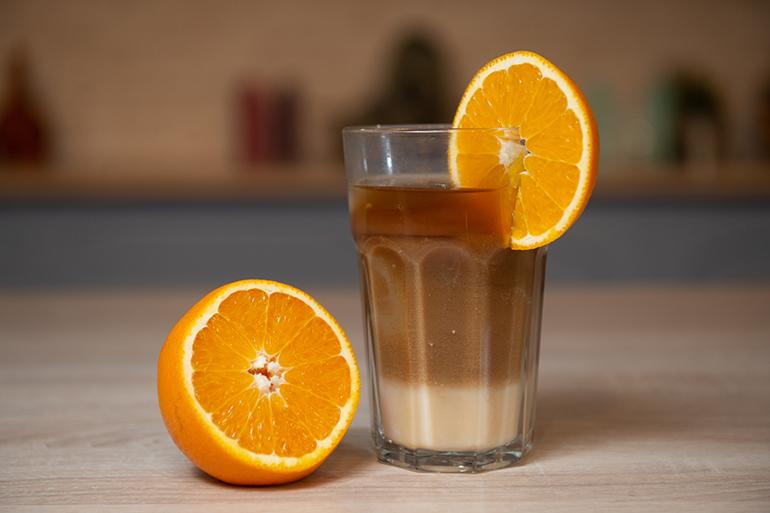 Холодный апельсиновый кофе