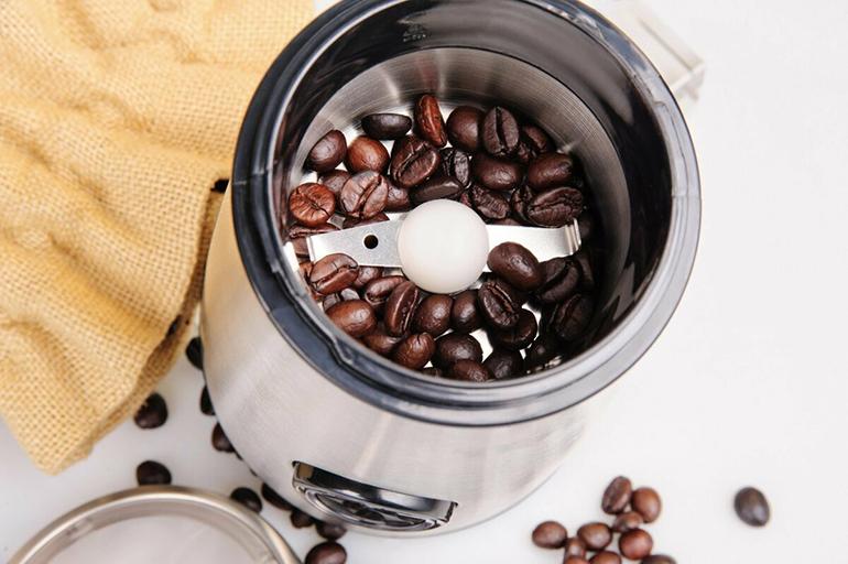 Ножевая кофемолка