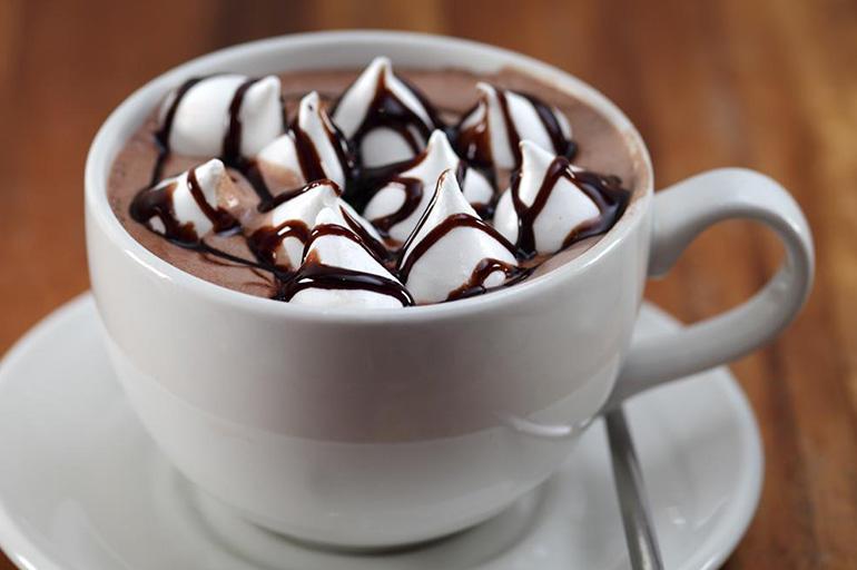 Кофе и зефир маршмеллоу