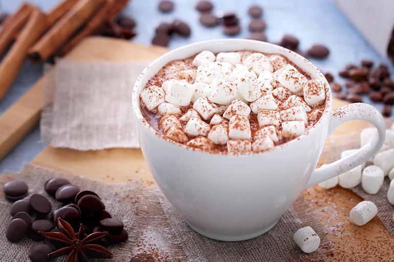 Шоколадный кофе с маршмеллоу
